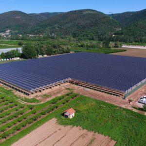 Apex Energies réalise pour la première fois une serre photovoltaïque en Ardèche