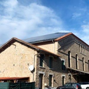 Apex Energies a installé une centrale solaire sur les toits de la cave coopérative de la commune de Péret  au cœur de Pays de l'Hérault